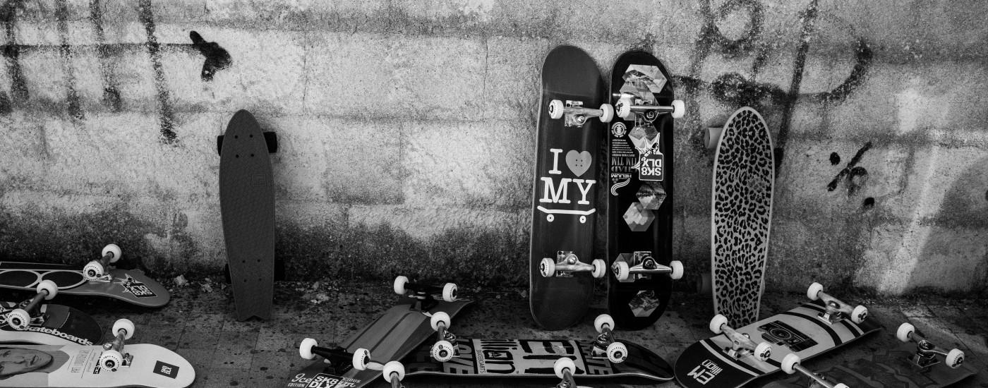Skateboard-Workshop mit Geflüchteten in Sizilien